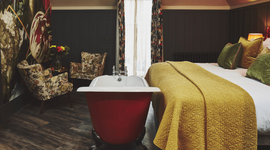 Gorgeous Room With Freestanding Bath & Armchairs