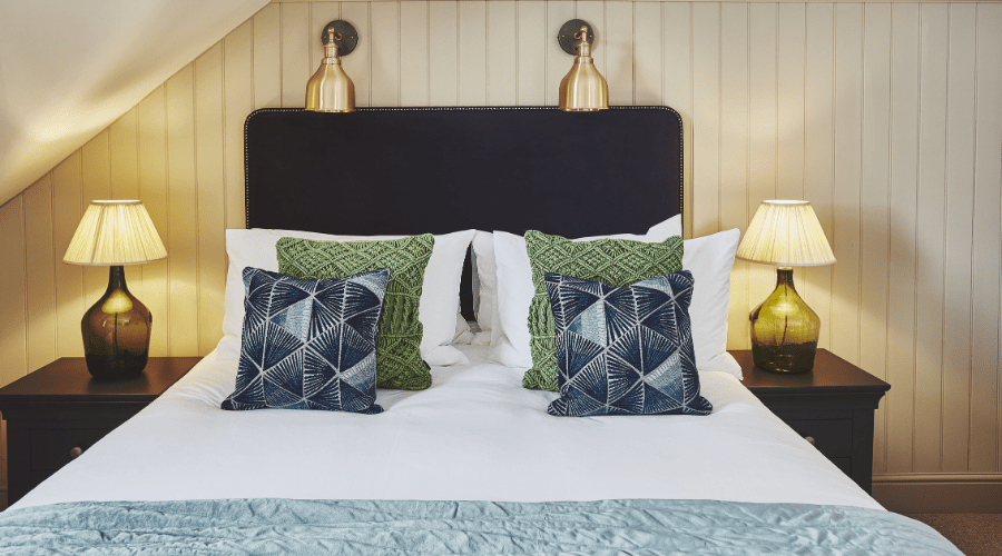 Intimate Sea View Room With King Size Bed